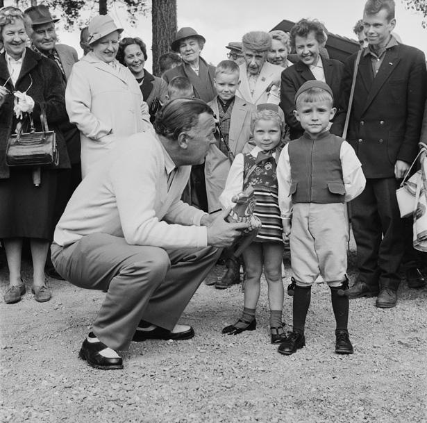 Prins Bertil inviger Rättviks golfbana 1959.