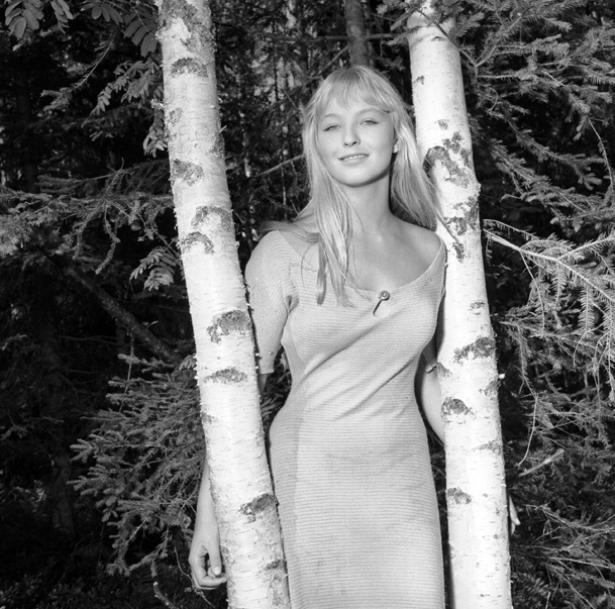 """Inspelningen av """"Häxan"""" i Falun 1955. Skådespelaren Marina Vlady."""