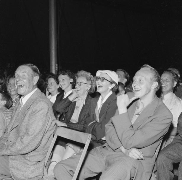 Knäppupp-revyn i Falun juli 1955.